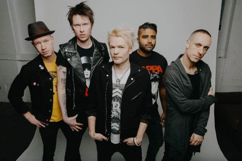 band-photo-sum-41